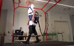 Exoesqueleto ayuda prevenir caídas